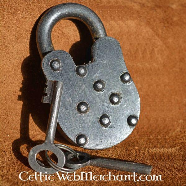 Candado medieval con dos llaves