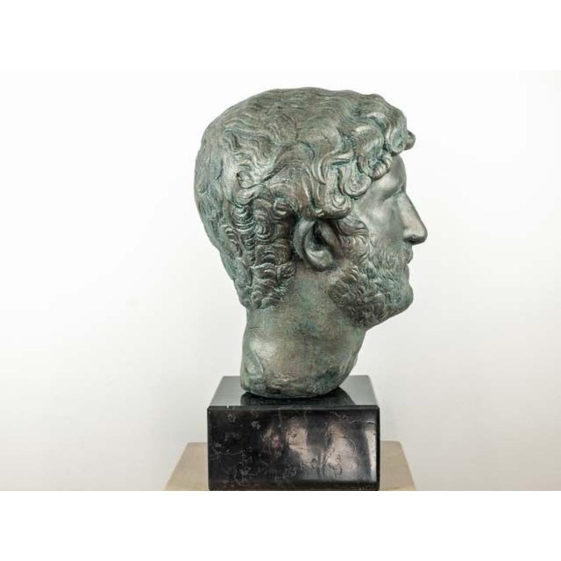 Bronceada busto emperador Adriano
