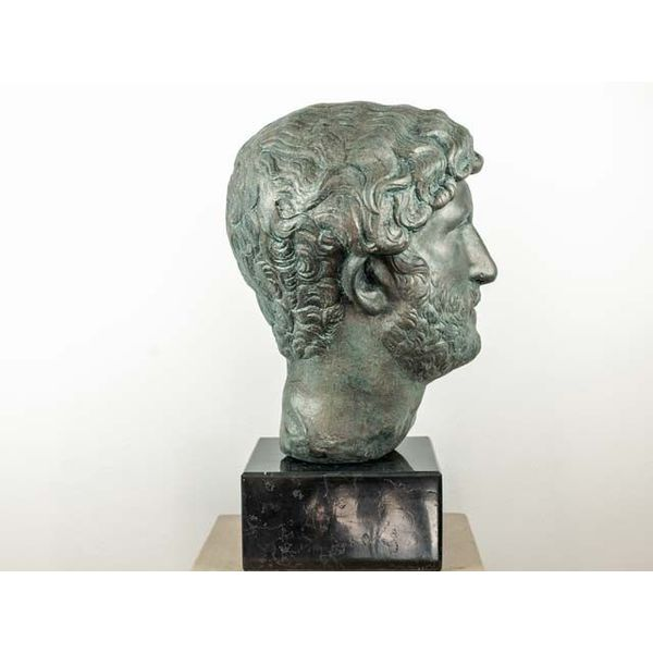 Opalony biust cesarz Hadrian