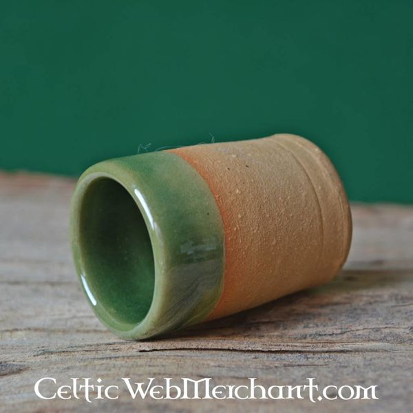 Middeleeuws borrelglaasje (greenware)
