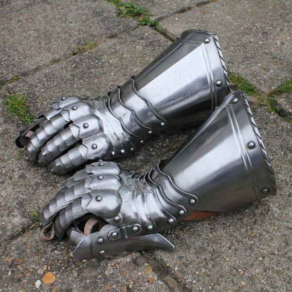 Gotisk ridder stridshandsker