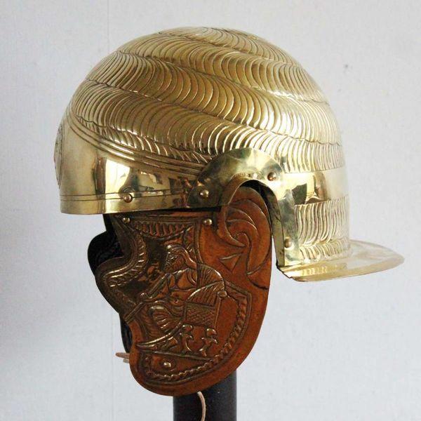 Deepeeka Hulptroepen-cavaleriehelm, A