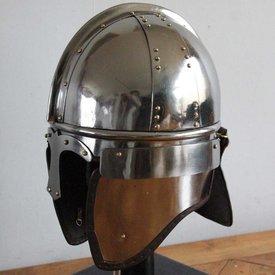 Deepeeka Elmo da cavalleria tardo-romano, Concesti
