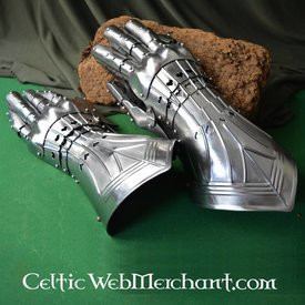 Deepeeka Courtly gauntlets