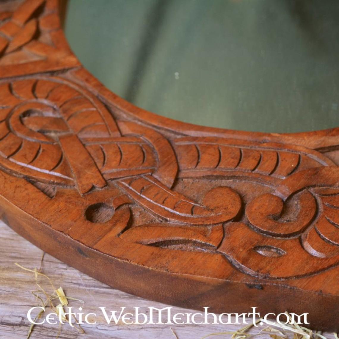 Vikingo espejo, estilo Urnes