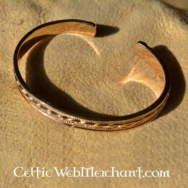 Bracelet with knot motive