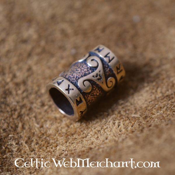 Bronzen baardkraal met trisqelion & runeninscriptie