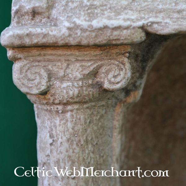 Roman lararium (dom ołtarz)