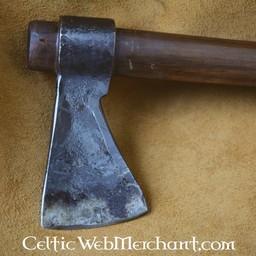 Viking kastar yxa