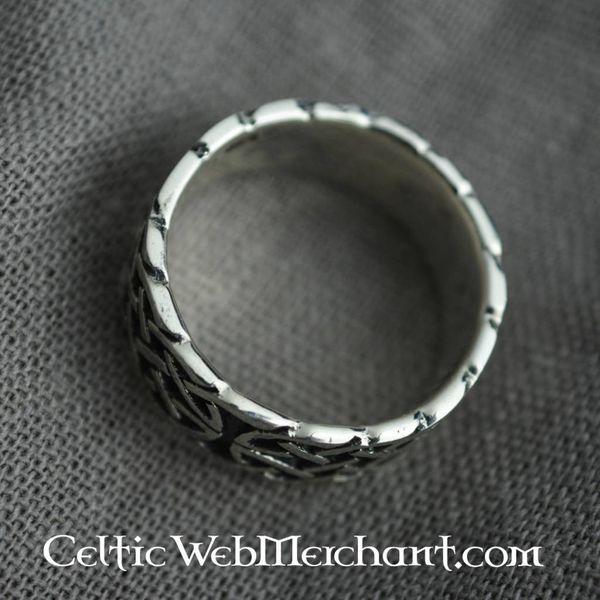 anel celta com motivo nó