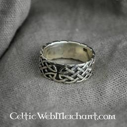 Celtic Ring mit Knoten Motiv
