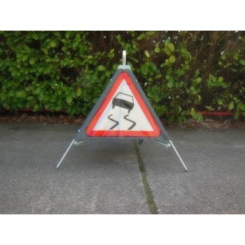 Folding traffic sign 'TRIPAN' - face A15 - SLIPPERY ROAD
