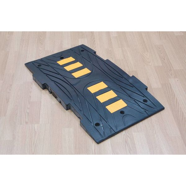 Traffic speed bump 'BIG 5' - 5 cm high - for driveways and parking lots