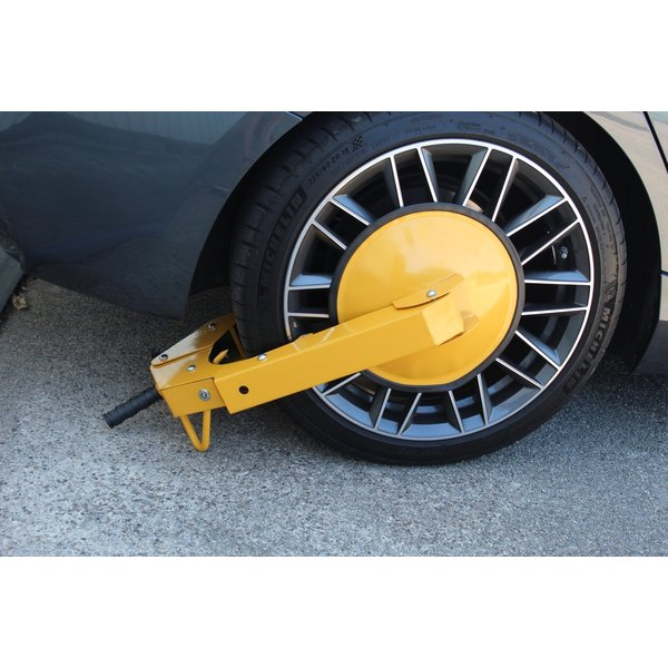 Wheel clamp for cars, trailers, caravans and motorhomes