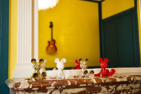 Mickey Sitting Chrome Gold 12cm-4