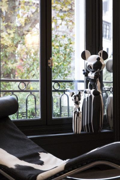 Mickey by Arik Levy White / Black 43cm-2