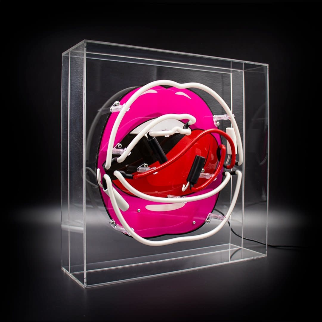"Acrylic Box Neon Light  ""Mouth"" Large-3"