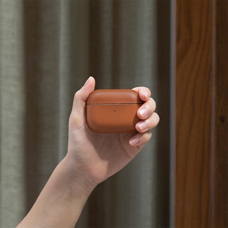 Case Airpods Pro Crafted Brown-5
