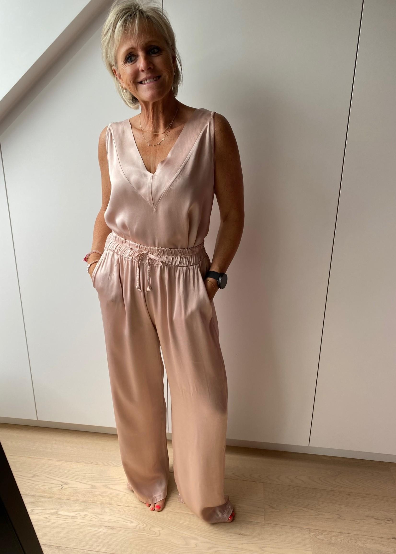 Love Topje van onze comfysuit in het roze