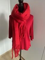 rode sjaal met franjes