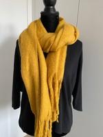 okeren sjaal met franjes