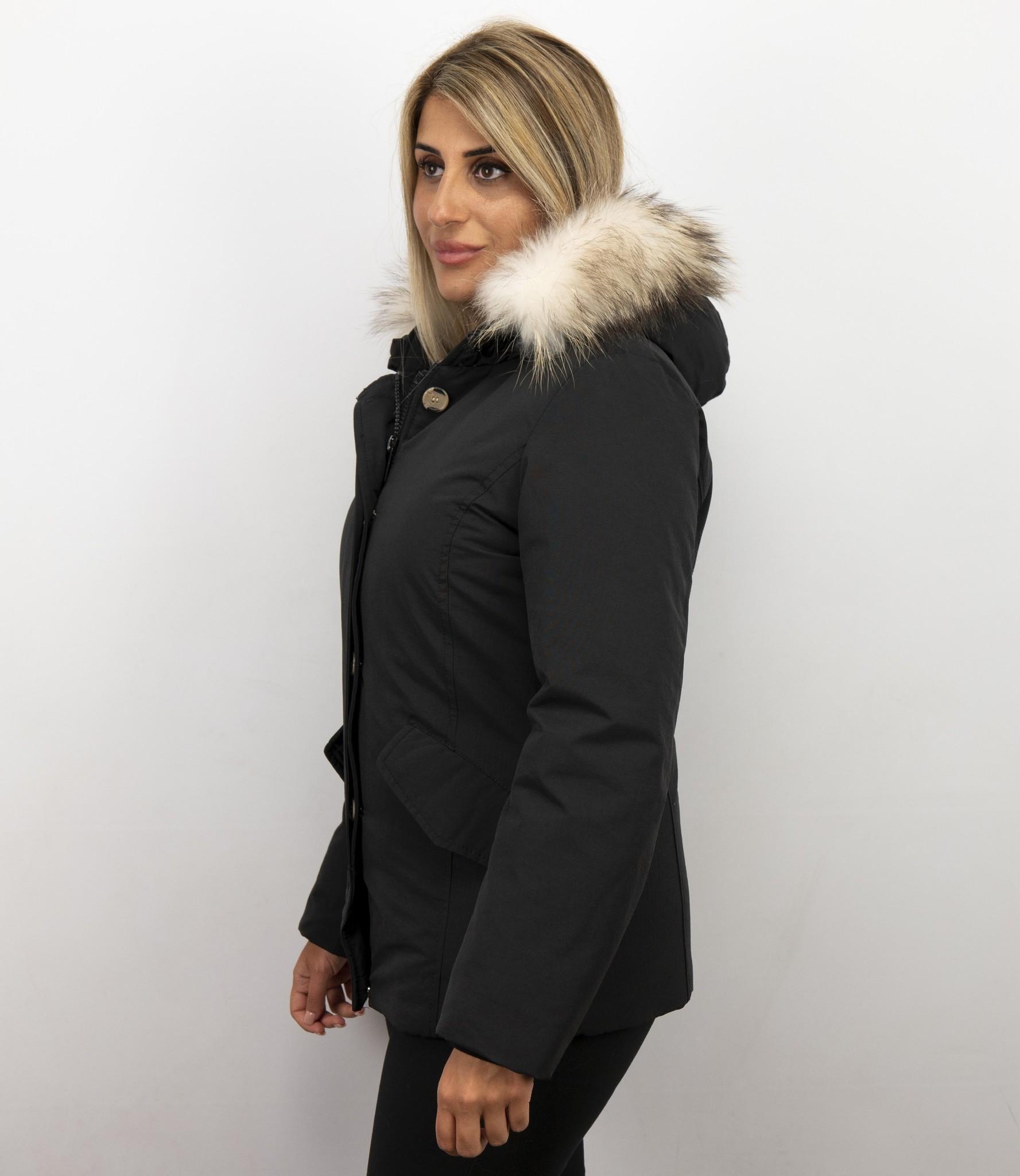 Matogla Dames Winterjas Wooly Kort Grote Witte Bontkraag Zwart