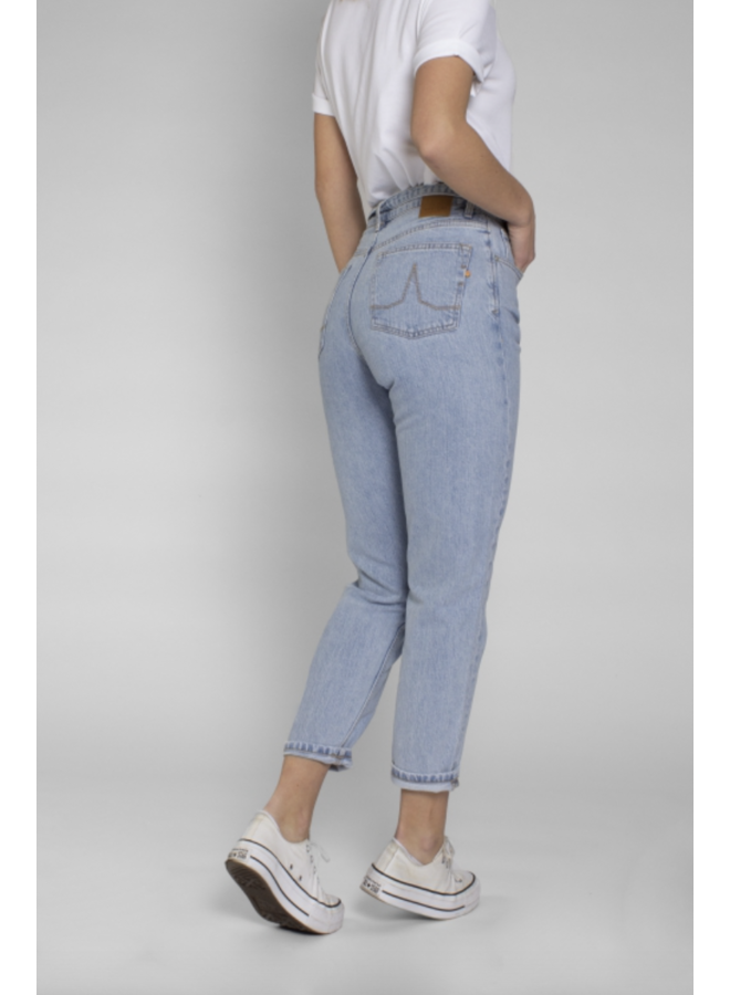 Kuyichi Nora - Loose Tapered Light Blue