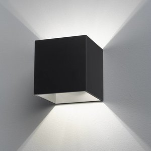 B lighted Wandlamp Cubiq