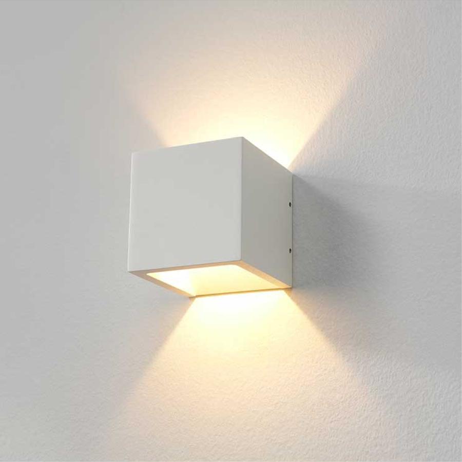 Dimbare in- en outdoor wandlamp Cube met geïntegreerde LED