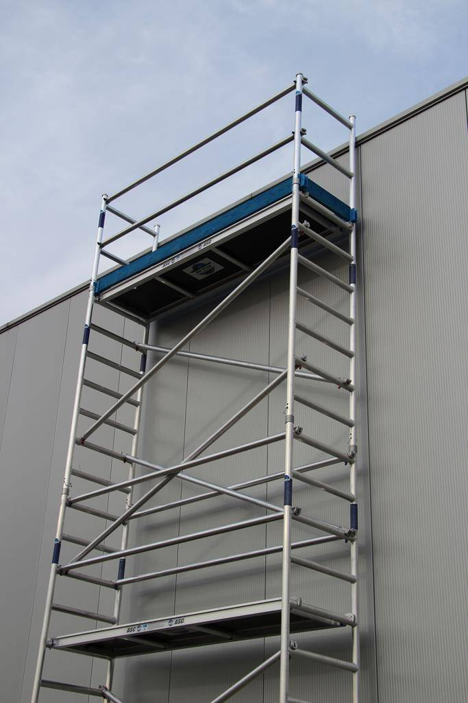 KiezGerüst Alu Rollrüstung Rollgerüst Ah.3,00 m für Innenausbau AS 300-5