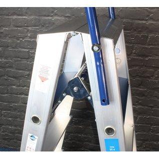 Doppeltritt 2 x 4 mit Sicherheitsbügel