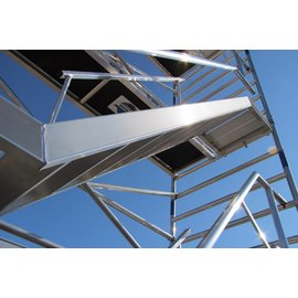 AC Steigtechnik Treppenturm 135-305 mit 14 m Arbeitshöhe