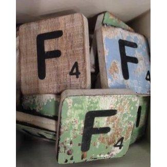 Thils Living houten letters & tekens letter F.