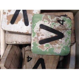 Thils Living houten letters & tekens Scrabble Letter V