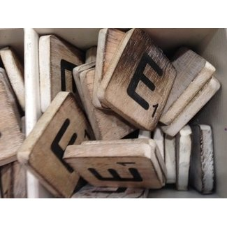 Thils Living houten letters & tekens Scrabble Letter E