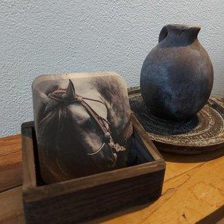 Thils Living Set onderzetters paard ( 10 stuks ) en een houder voor de onderzetters 20101