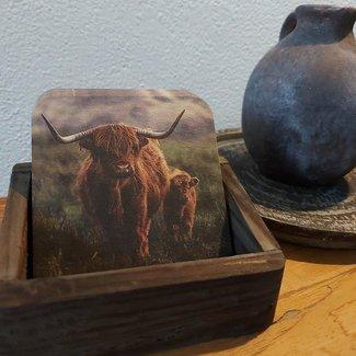 Thils Living Set onderzetters buffel met jong ( 10 stuks ) en een houder voor de onderzetters 20102