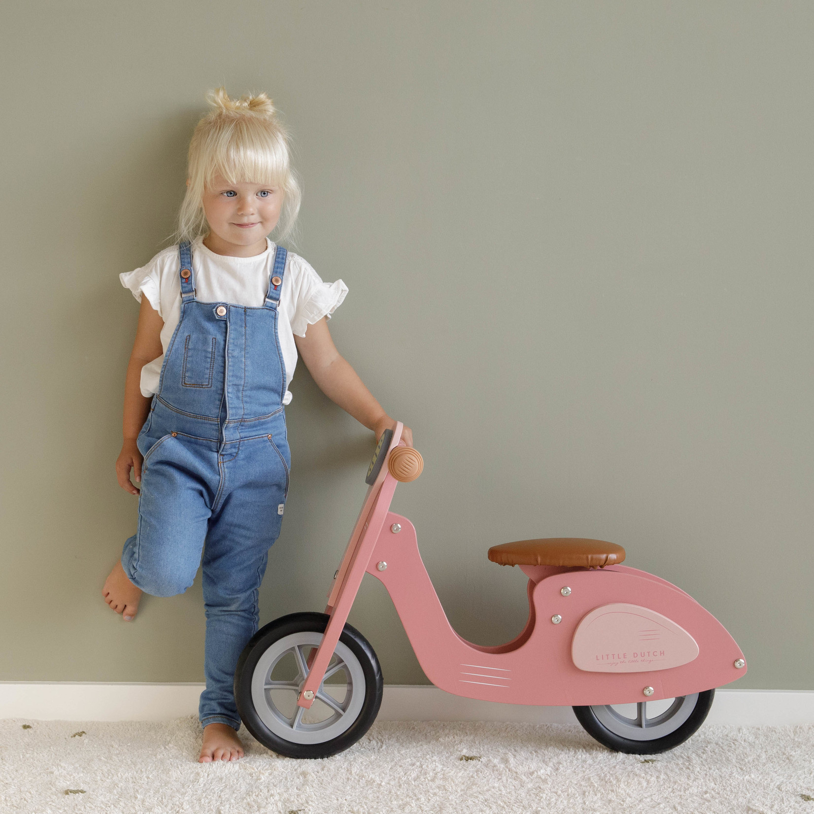 Little Dutch Loopscooter Pink