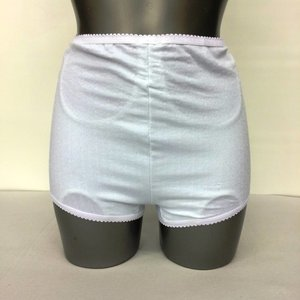 CUI Wear Ladies Short White Left (OP=OP)