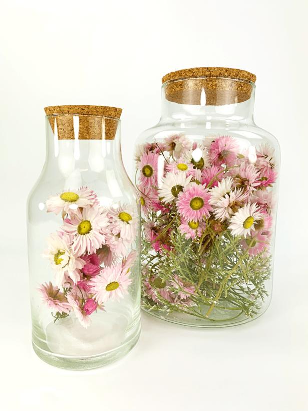 Lucky Bottle met roze Acroclinium - ⌀10xH20cm