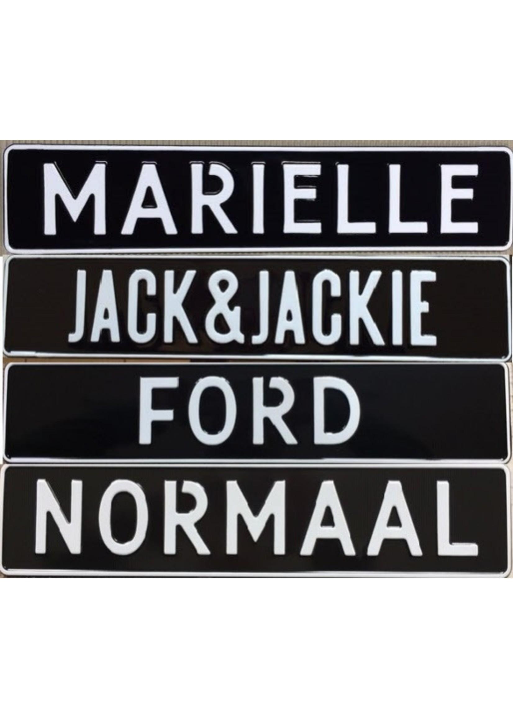 Zwarte kentekenplaat met naam of tekst