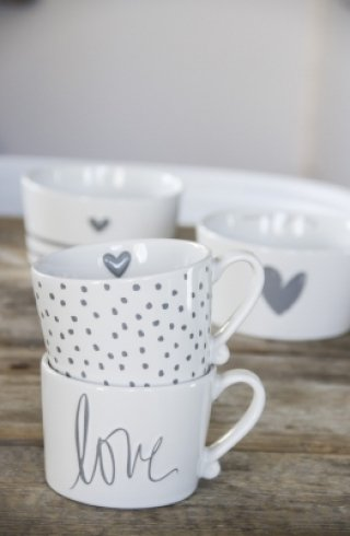 Bastion Collections Bowl White little heart relief in Grey
