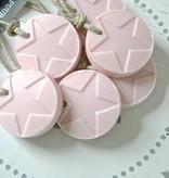 Puur Zeep hanger schijf met ster rond 7cm, roze
