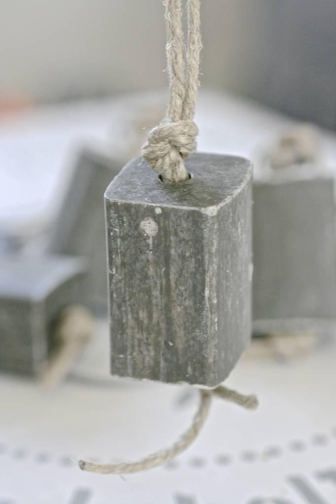 Puur Zeep hanger blok XL 4x5x6,5cm, grijs
