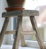 Oud vensterbankje / krukje (2)   25cm, bruin