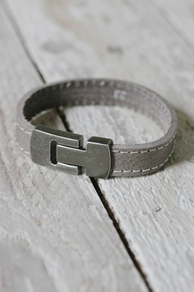 Enkele leren Armband met dubbele stiknaad, grijs
