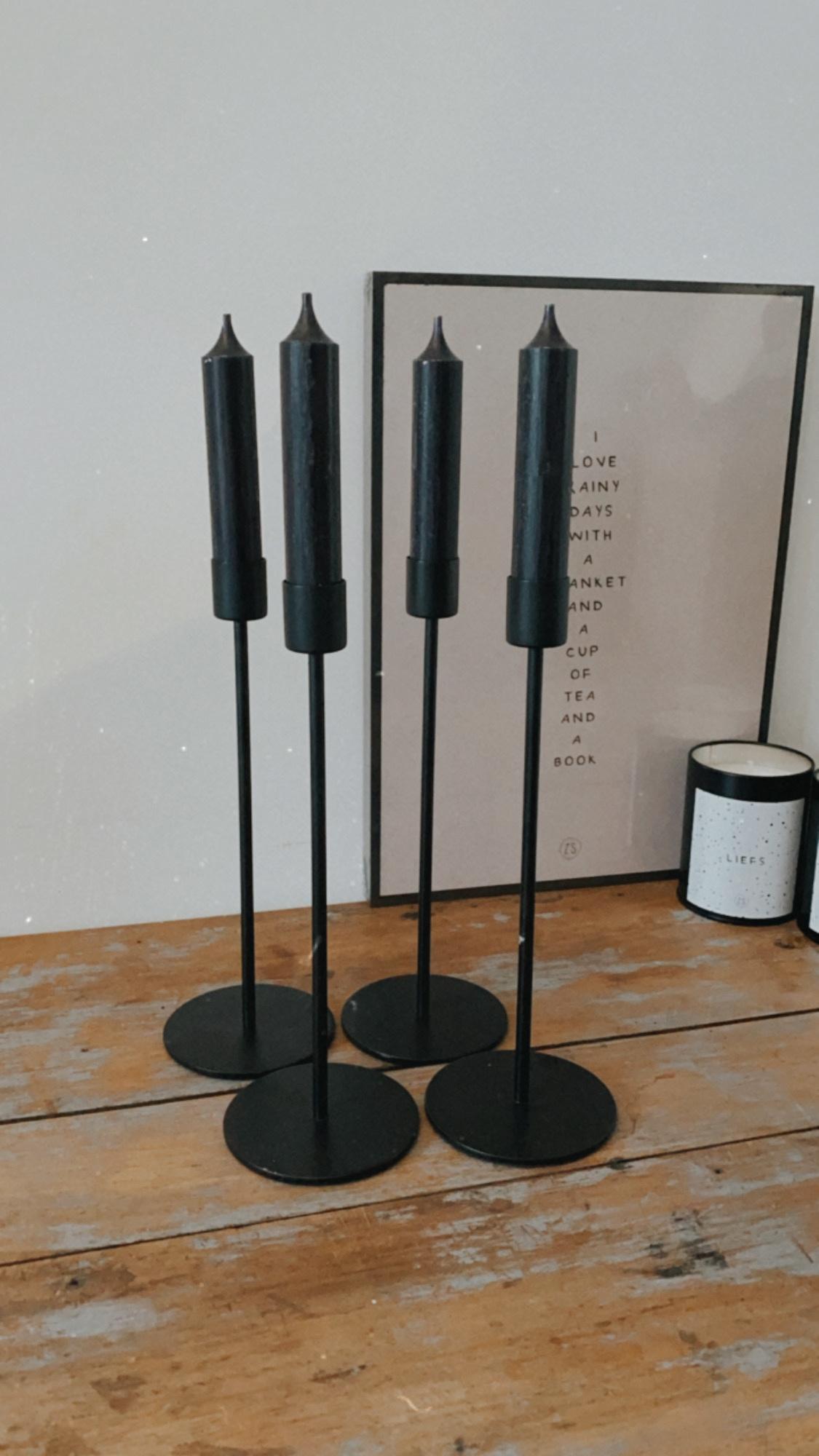 Kandelaar op voet L - mat zwart