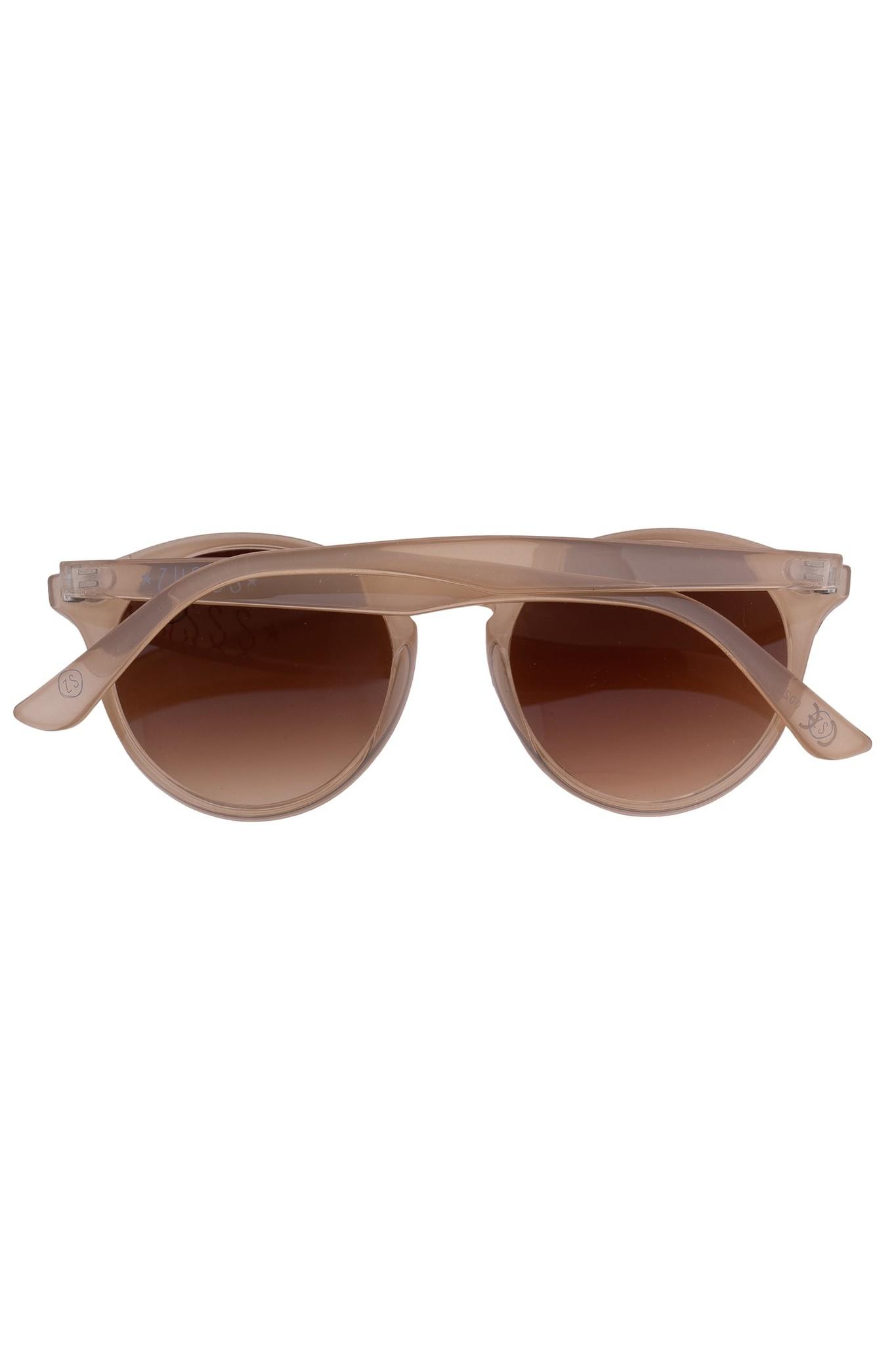 Zusss Sjieke zonnebril zand