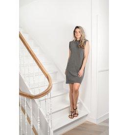 Zusss Basic jurk met schoudervulling - grafietgrijs