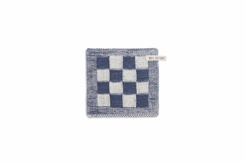 Knit Factory Gebreide pannenlap 'grote blok' ercu/jeans 23x23cm